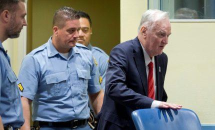 Genocidio e crimini contro l'umanità, Tribunle Aia condanna Mladic all'ergastolo