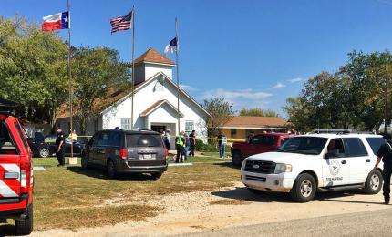 """Un uomo fa strage in una chiesa battista in Texas: """"Almeno 27 morti"""""""