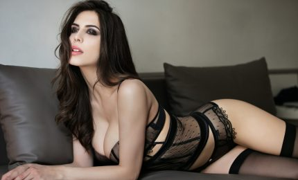 L'attrice e modella Valentina Bissoli, l'erede di Monica Bellucci