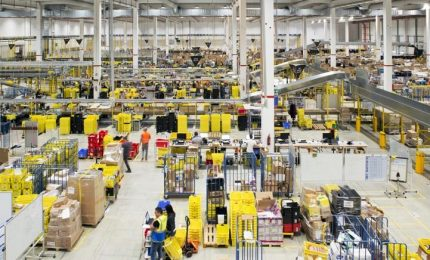 """Sede Amazon Italia: """"Solo 10% lavoratori ha scioperato"""""""