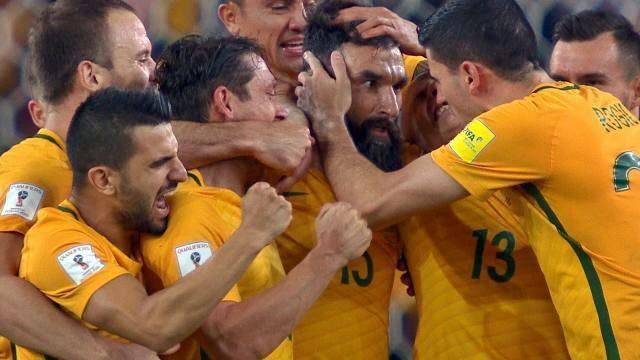 Tripletta di Jedinak e l'Australia va ai Mondiali: 3-1 all'Honduras