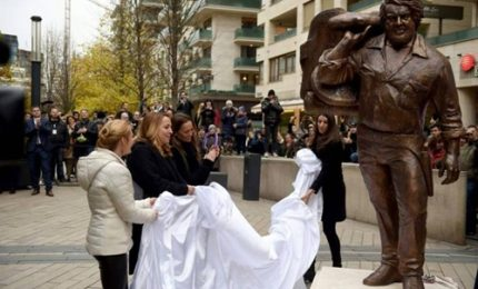 A Budapest una statua di due metri dedicata a Bud Spencer