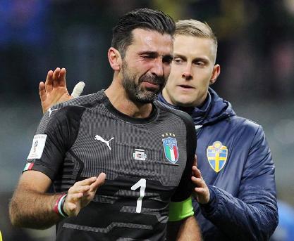 """Italia-Svezia 0-0, azzurri fuori dal Mondiale. Buffon in lacrime: """"Abbiamo fallito ma ci rialzeremo"""""""