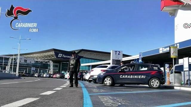 Arrestati 3 funzionari corrotti uffici Dogana a Fiumicino