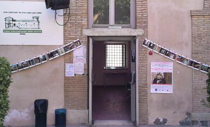 """Roma, Casa delle donne rischio sfratto: """"Non siamo parassite"""""""