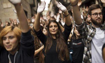 Catalani condannano Puidgemont: vile e egoista