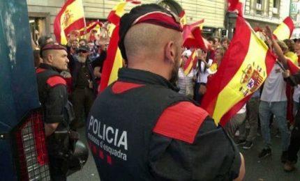 Catalogna, le violenze dei manifestanti unionisti