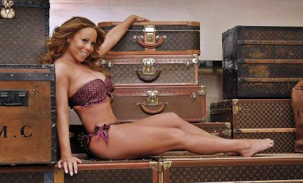 Los Angeles, Mariah Carey lascia le sue impronte a Hollywood