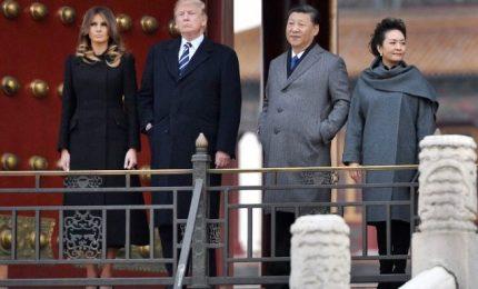 """Trump nella """"nuova era"""" Cina, accolto con sfarzo da Xi"""