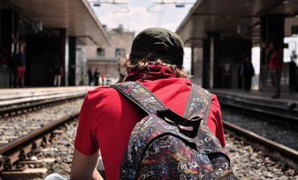 In Italia non c'è futuro, 4 giovani su 10 pronti a trasferirsi per trovare lavoro