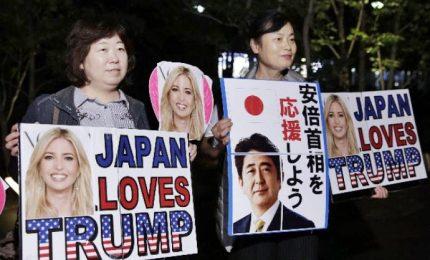 Trump a Tokyo incontra familiari dei rapiti da NordCorea