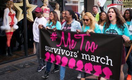 Le donne sfilano a Hollywood contro le molestie: hashtag #MeToo