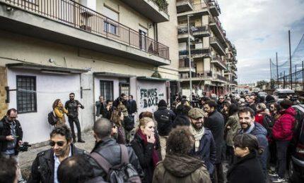 A Ostia il sit-in dei giornalisti davanti alla palestra di Spada