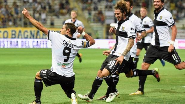 Bari e Parma battono Novara e Ascoli e volano in testa