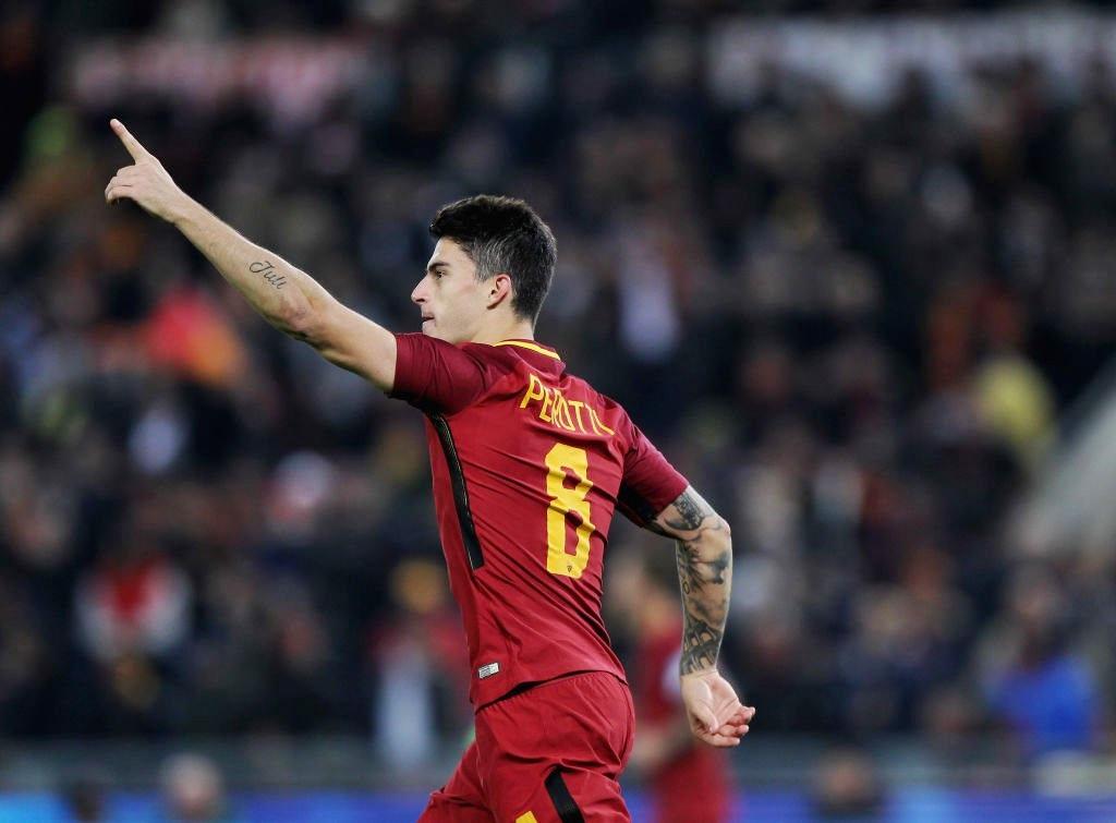 Roma-Lazio 2-1, Perotti e Nainggolan regalano il derby ai giallorossi