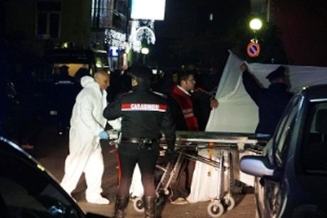 Casalnuovo, agguato di camorra: ferito un 34enne, la madre muore d'infarto