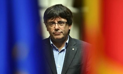 Catalogna, Carles Puigdemont arrestato in Germania. Indipendentisti in piazza