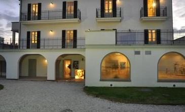 Villa Mussolini a Riccione messa in vendita dalla Cassa di Risparmio di Rimini
