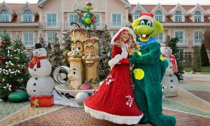 Natale a Gardaland, con Babbo Natale, selfi, renne e pupazzi