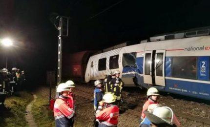 Germania, scontro fra treno passeggeri, 5 feriti gravi