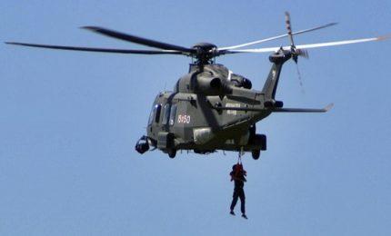 Salvataggio via elicottero su nave da crociera