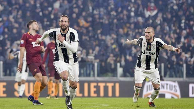 Juventus batte Roma e resta scia Napoli