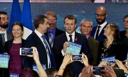 """Macron sfida Trump: """"Stiamo perdendo la battaglia sul clima"""""""