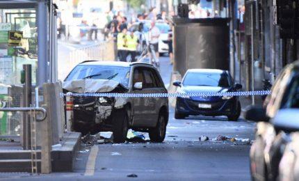 Auto sulla folla a Melbourne, polizia esclude atto terroristico