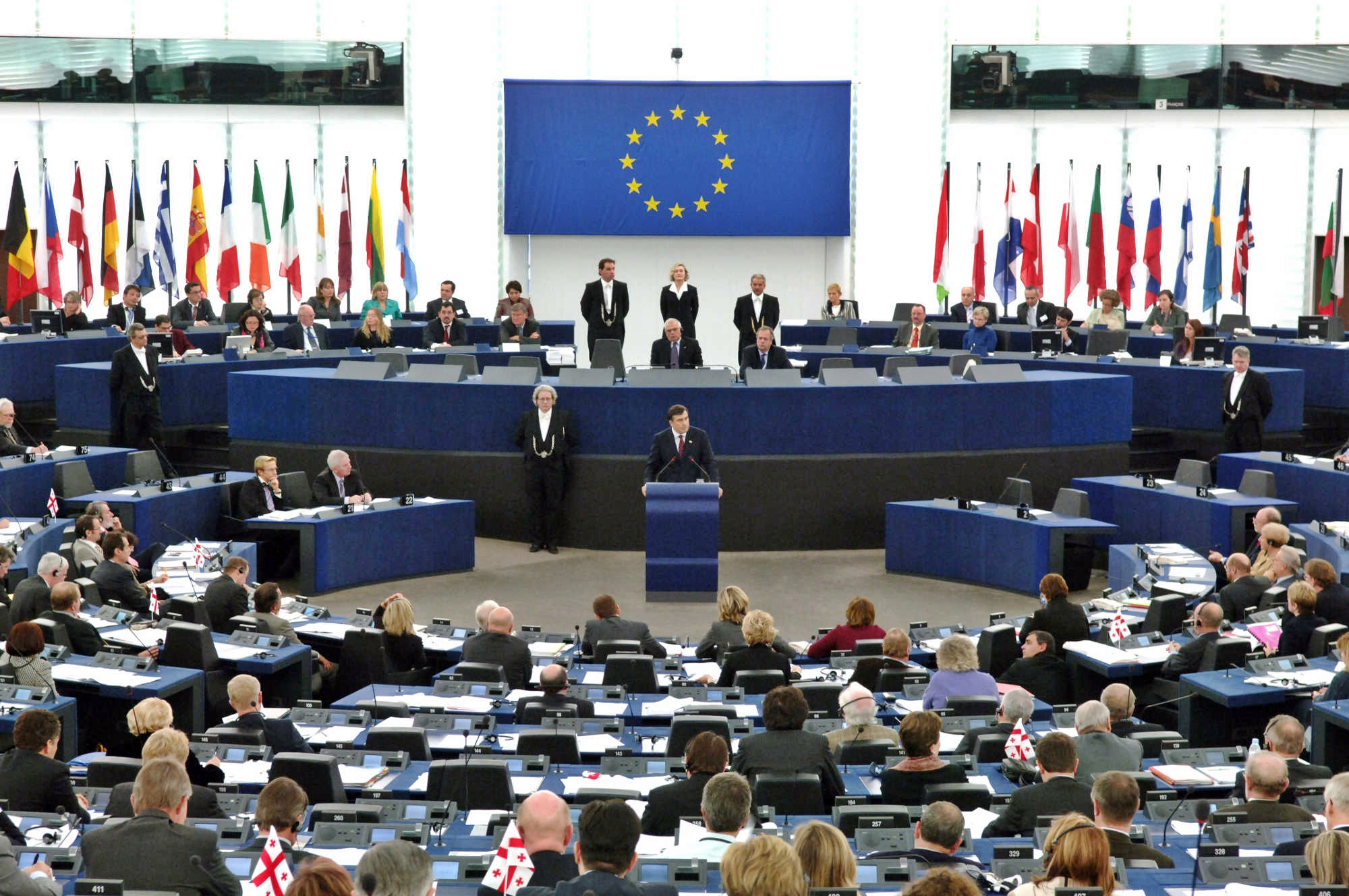 Proiezioni Europarlamento: 27 seggi a Lega, 22 a M5S. Primo gruppo Ppe