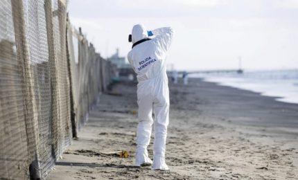 Trovato il cadavere di un uomo su una spiaggia di Ostia