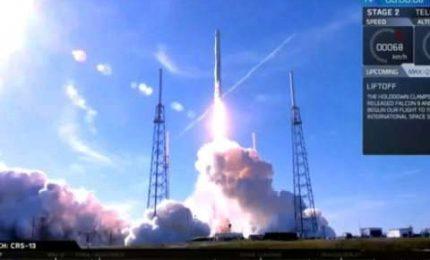 """Lancio ok per il razzo di Space X interamente """"riciclato"""""""