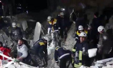 Esplosione nella base jihadista a Idlib, 23 morti