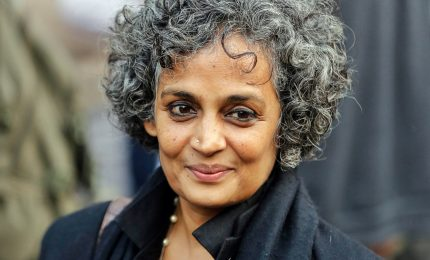 Il ritorno di Arundhata Roy: la scrittura e l'impegno sociale
