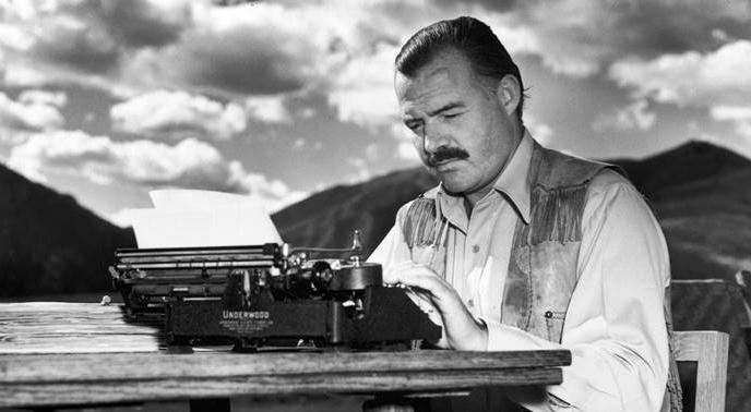 Esce un inedito di Hemingway del 1956: Parigi, il Ritz, la guerra