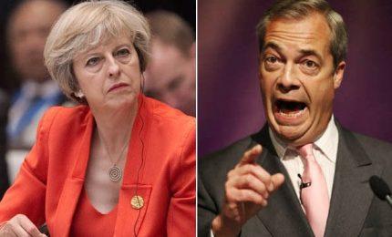 Farage: penso a un secondo referendum sulla Brexit. La May lo stoppa