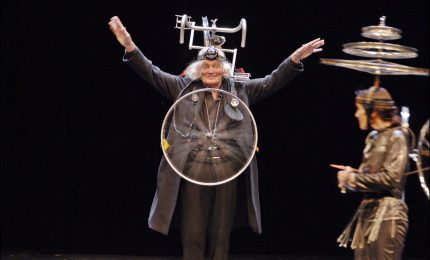 Al Teatro Massimo, magia, illusionismo e acrobazie