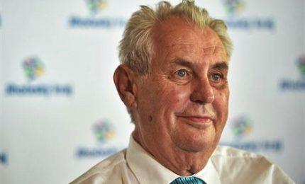 Urne aperte per le presidenziali, il 73enne Zeman non molla