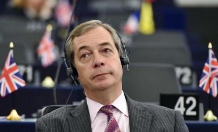 Farage lancia il suo nuovo partito per salvare la Brexit