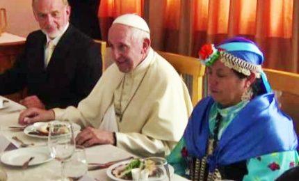 Papa Francesco in Cile a tavola con i Mapuche