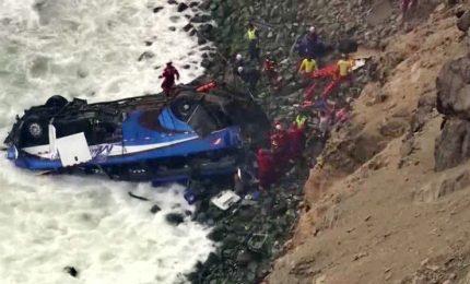 Precipita il pullman sulla litoranea, 48 morti in Perù