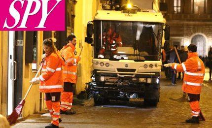 """I ragazzi di """"Amici"""" ora spazzano anche per le strade di Roma"""