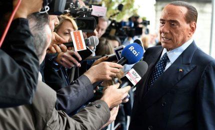 """Berlusconi presenta flat tax a Bruxelles: """"Funzionerà così"""""""