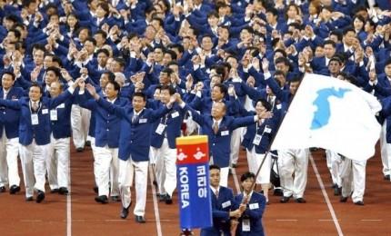 """Riapertura della """"hotline"""" tra le due Coree. Pyongyang: sì alle Olimpiadi"""