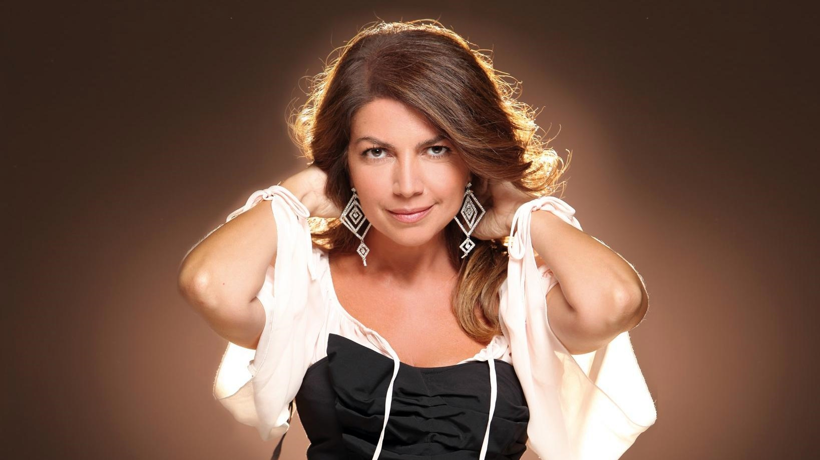 """Cristina d'Avena canta in """"Faccio la brava"""" di Dj Matrix"""