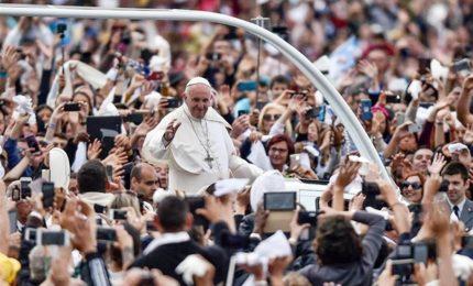 """Il calo di credibilità della Chiesa e la crisi della politica, il """"viaggio non semplice"""" del Papa nella sua America latina"""