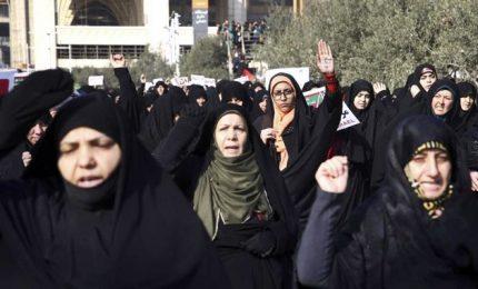 Iran, non si placa la protesta contro il carovita: almeno 20 morti e centinaia di arresti