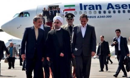 """Sanzioni e nucleare, tensione tra Usa e Iran. La Russia a Trump: """"Grosso errore lasciare accordo"""""""