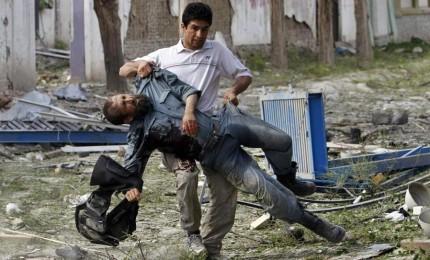 Kabul, ambulanza carica di tritolo: oltre 100 morti