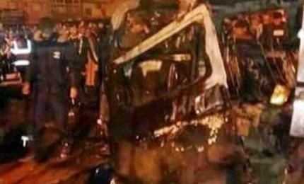 Attentato in Libia, duplice autobomba vicino a una moschea: oltre 30 morti e 50 feriti