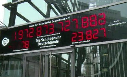Dopo vent'anni l'orologio del debito a Berlino va indietro